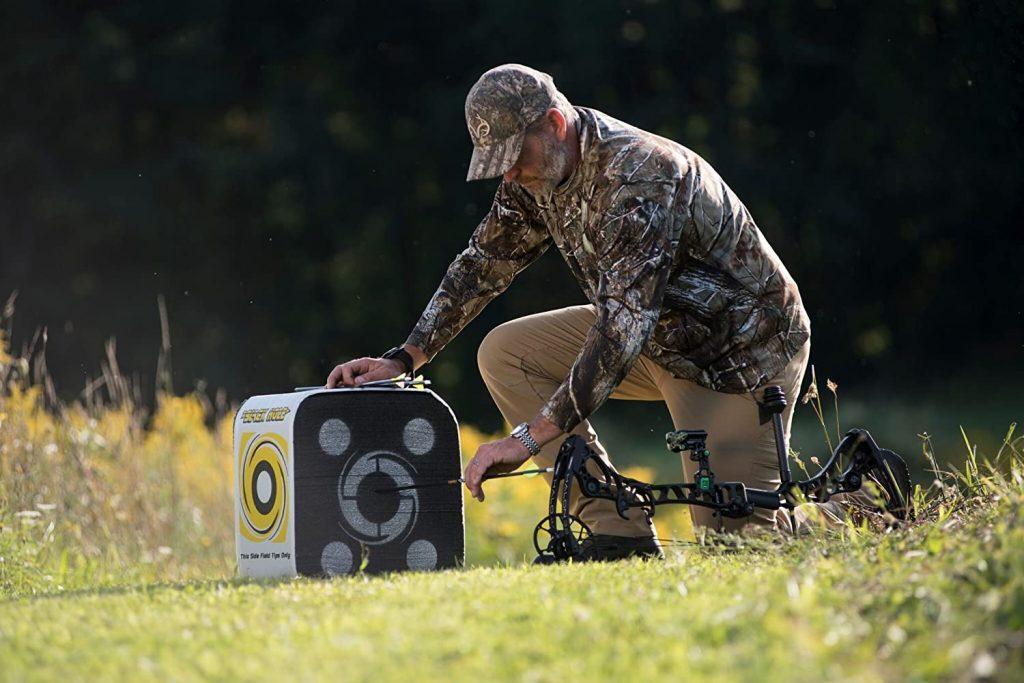 hunter using a broadhead target